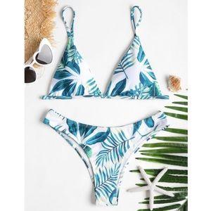 ✨3/$30✨ Zaful padded tropical print bikini